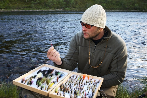 You can find a suitable fly for the Utsjoki area in this fly box.