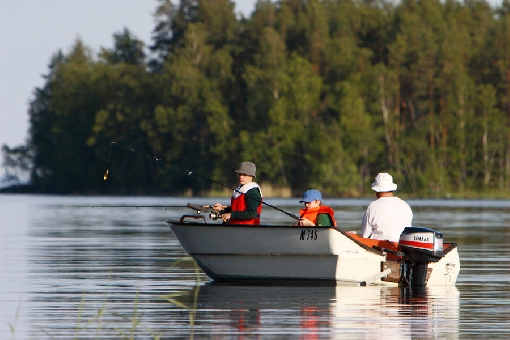 A fishing holiday on Lake Saimaa is a refreshing experience.