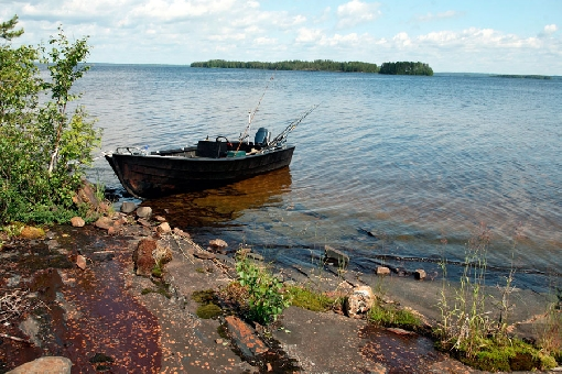 There are fascinating fishing grounds around Kalliosaari Island and Jussinluoto Islet.