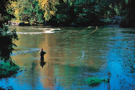 You can also fish on the Siikakoski Rapids using a fly rod when waters are high.