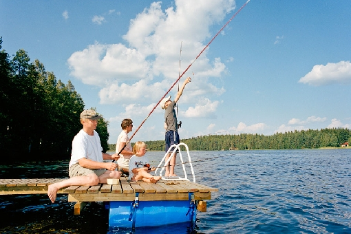 Hook-and-line angling is suitable as a holiday activity for the whole family. Lake Niemisjärvi, Hankasalmi.