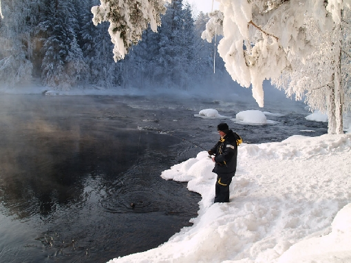 You can also fish on the Kapeenkoski Rapids in winter.