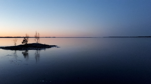 Big lakes of Southern Finland froze − finally